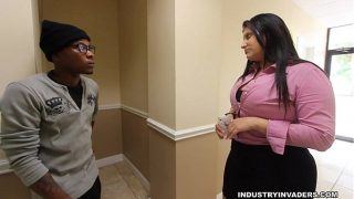Kim Cruz Thick Latina provides BBC in her mouth in her Workplace